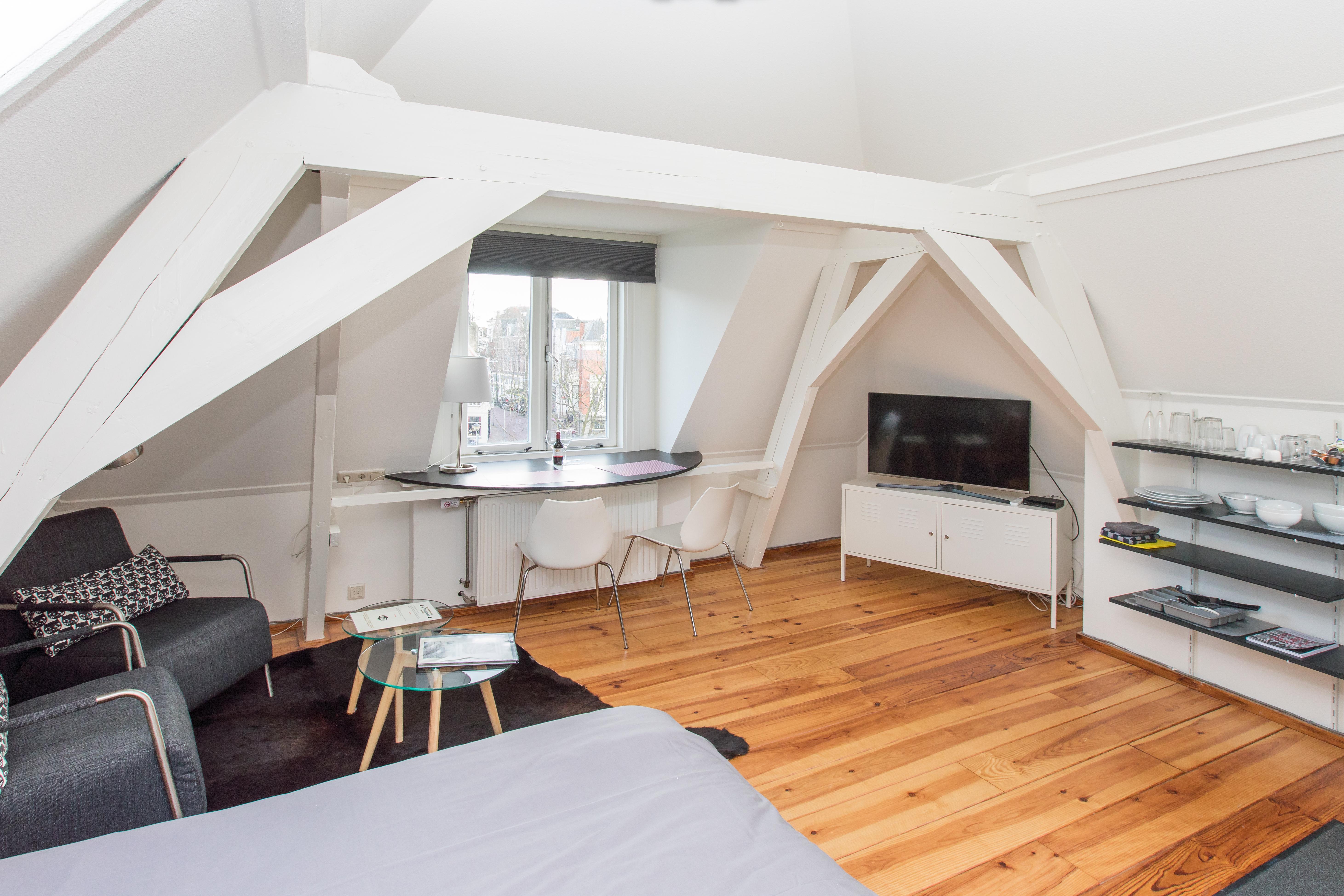 Studio met Dakterras, woon – slaapkamer